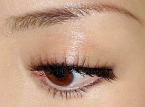 How to make eye makeup look natural 04