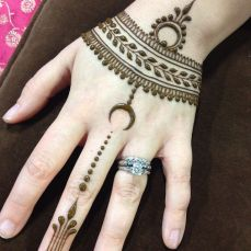 Simple mehndi designs 15