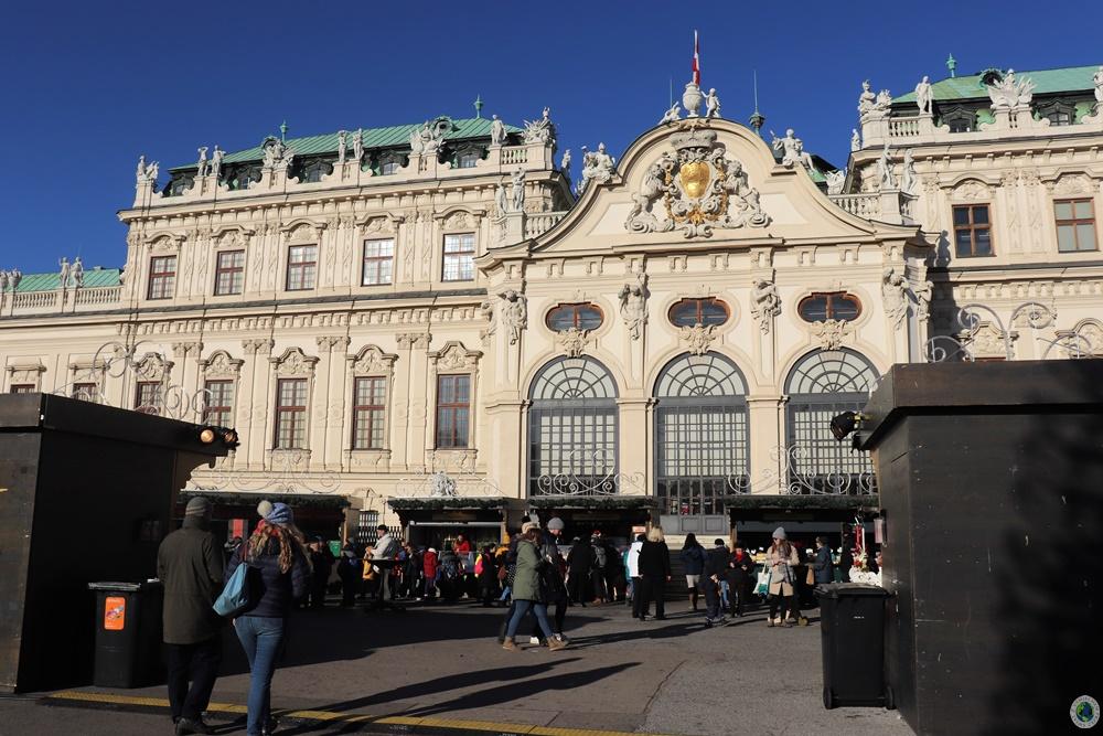 Wioska bożonarodzeniowa pod Pałacem Belwederskim