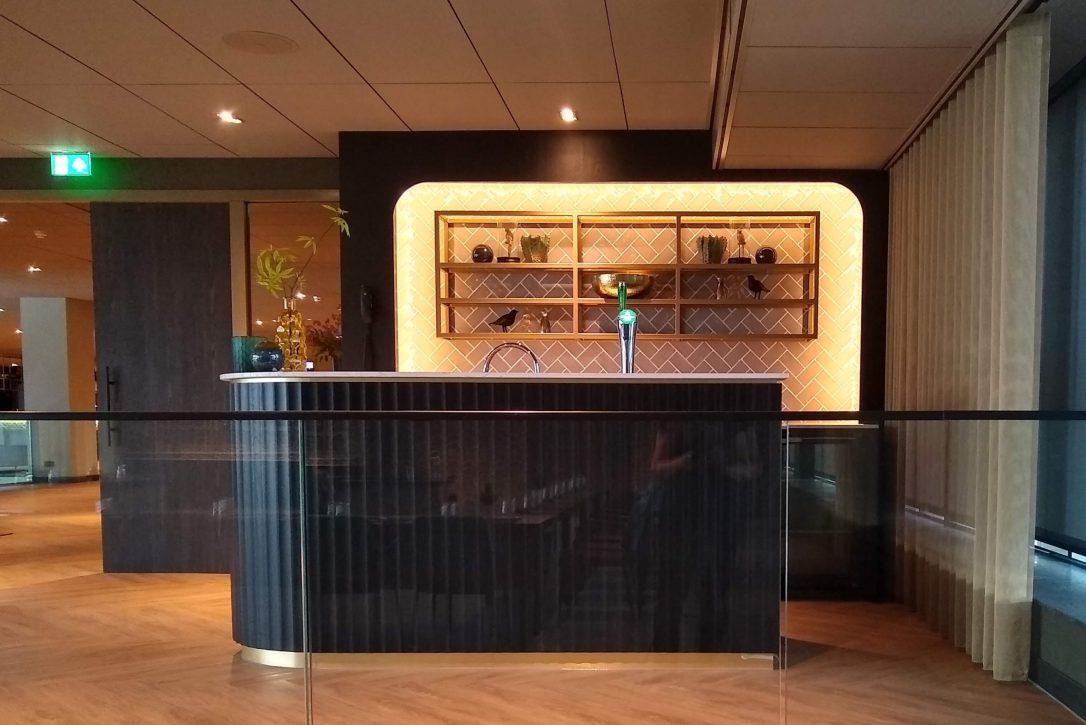 maatwerk en ontwerp barmeubel in feestzaal Hotel Haarlem