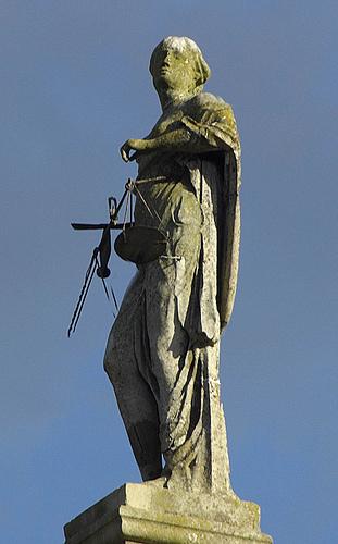 justizia, by mira 66, Flickr