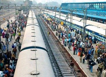 Delhi-ko tren geltokian