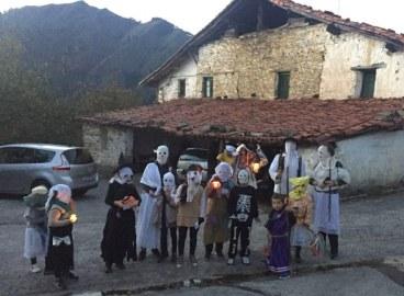 Hamar urte dira Halloween-en inbasioa hasi zela