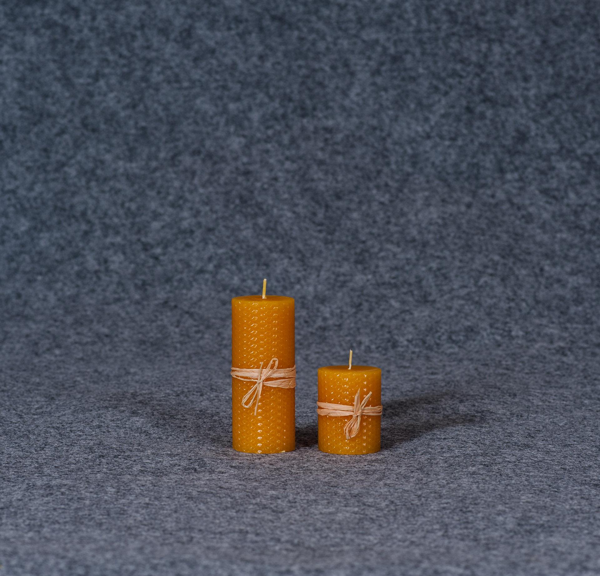 Cilindro formos žvakė su bičių vašku