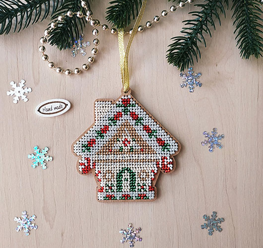 The photo shows - DIY Christmas decorations, fig. Small house