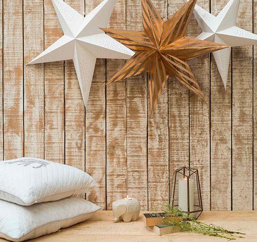 در عکس نشان داده شده - ستاره های فله از کاغذ. آماده سازی تعطیلات در خانه، شکل. دکور ستاره
