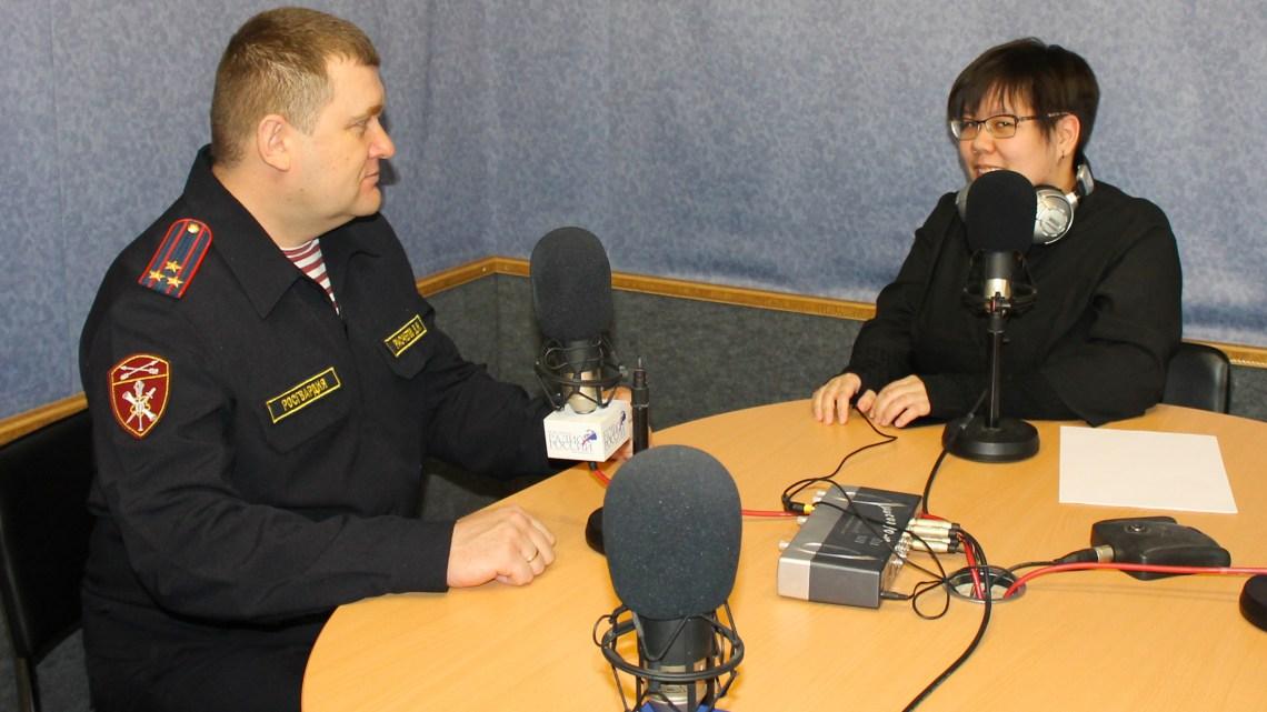 Начальник Управления Росгвардии по Республике Алтай провел брифинг в эфире «Радио России»
