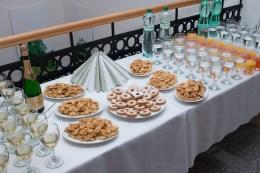 občerstvenie na stoloch