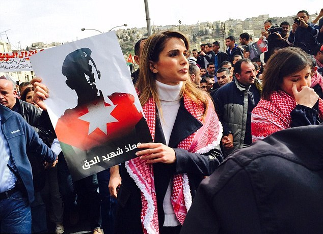 Jordan-Queen-Rania-leads-thousands-protesters-streets-Amman-honour-Martyr-Moaz-burned-alive-ISIS