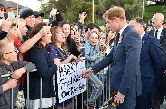 1-Prince-Harry-in-New-Zealand-(9)