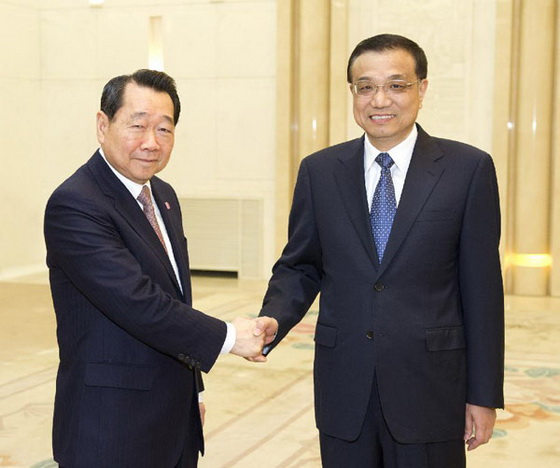 Chinese Vice Premier Li Keqiang with Dhanin