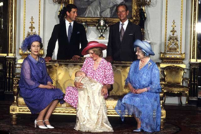 diana-princess-of-wales-pictured-holding-her-son-alongside-the-queen-the-queen-mother-prince-charles-and-the-duke-of-edinburgh-prince-william_s-Christening