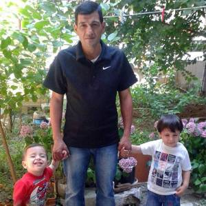Aylan-(left),-three,-and-Galip-Kurdi-(right),-five,-with-their-father-Abdullah