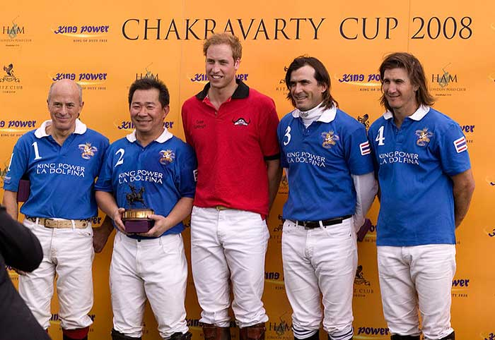 Vichai-pictured-with-Prince-William-at-the-Chakravarty-Cup
