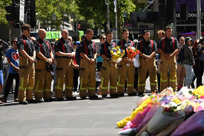 firefighters-who-attended-yesterday-leave-flowers-on-the-corner-of-bourke-and-elizabeth-street