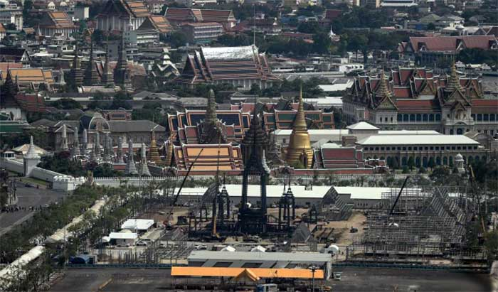 The-funeral-pyre-and-surrounding-pavilions-for-the-late-Thai-King-Bhumibol-Adulyadej-is-under-construction-inside-Sanam-Luang-park,-in-front-of-the-Grand-Palace-in-Bangkok