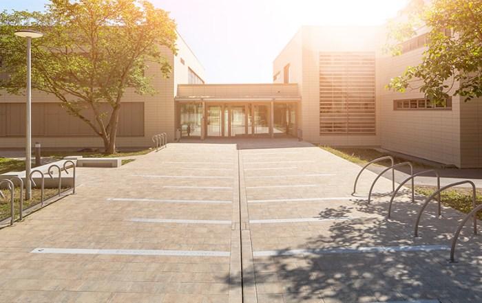 Architekturfotografie Außenansicht Schule Regensburg