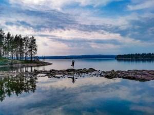 Kanutour Schweden: Andrea macht Yoga