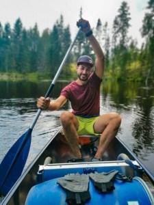 Kanutour Schweden: Bene beim Paddeln