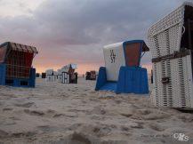 Sonnenuntergang und Strandkörbe