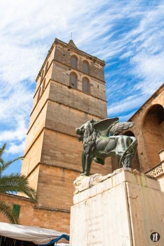 Mallorca - Inseldörfer - Sineu Löwe