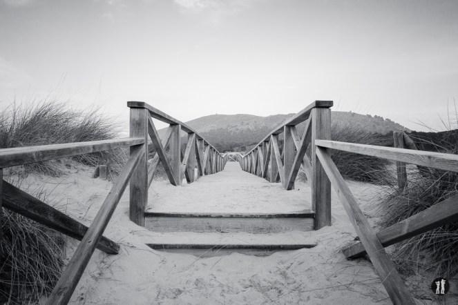 Cala Mesquida - Steg Monochrom
