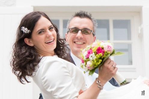 Zweikameras Hochzeit Brautpaar - Ring Regen Rosenblattkanonen