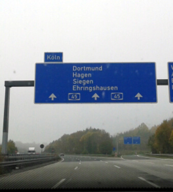 Autobahnschild Heimat