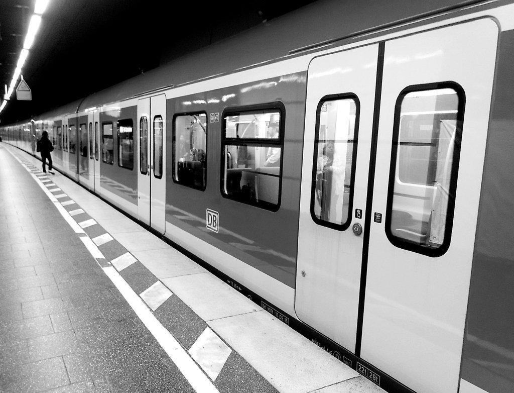 10 Tage Schwarz weiß - S-Bahn München