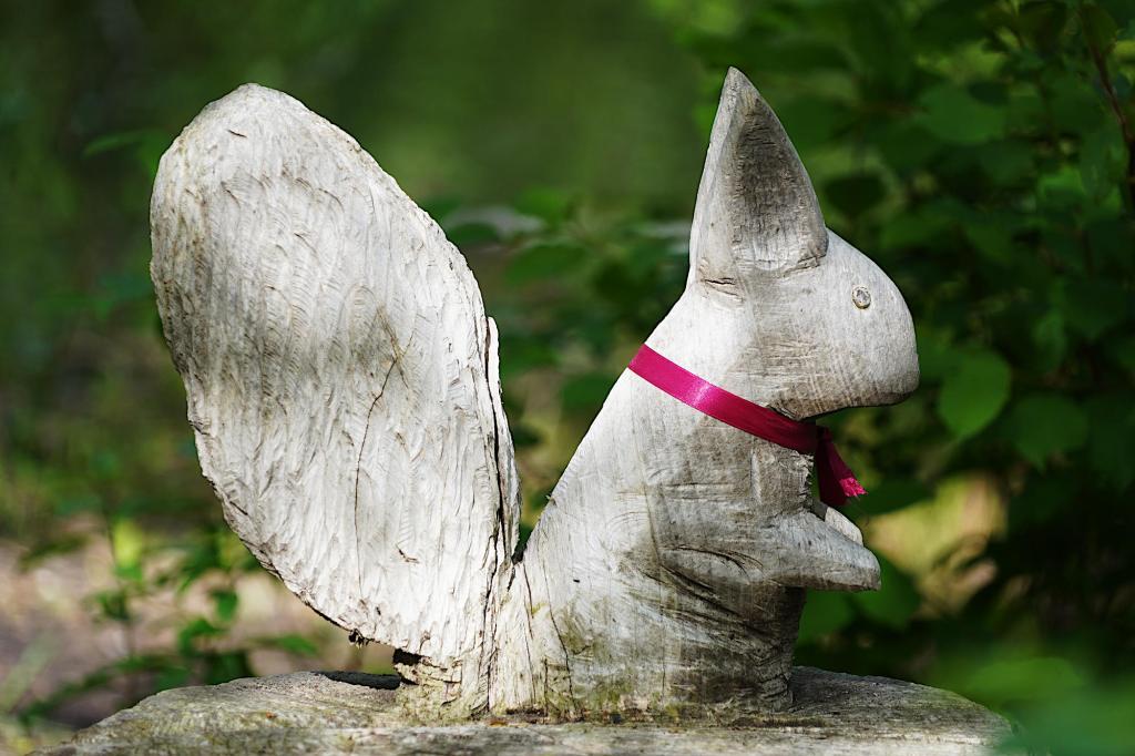 Geschnitztes Eichhörnchen