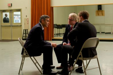 Mike Morris (George Clooney), Paul (Philip Seymour Hoffman) i Stephen (Ryan Gosling)