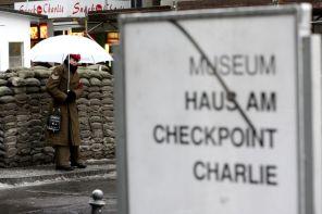 Checkpoint Charlie, czyli ślad zimnowojennej historii Berlina
