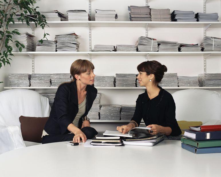 Jak rozmawiać ze współpracownikiem