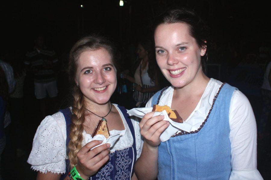 Deutsche Bäckereien in Lima: Alex´Nussecken sind einfach die besten, und inzwischen bekommt man sie sogar in manchen Tottusfilialen.