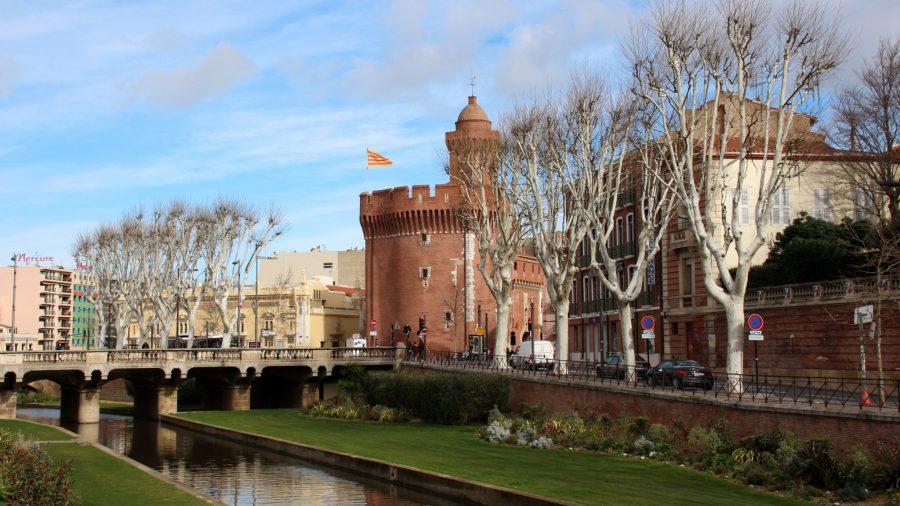 Das Castillet ist das letzte Überbleibsel der Stadtbefestigung und zählt zu den beliebstesten Perpignan Sehenswürdigkeiten.