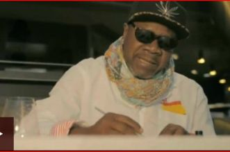 papa wemba dies on stage, video, pictures of him collapse on stage cause, latest news on