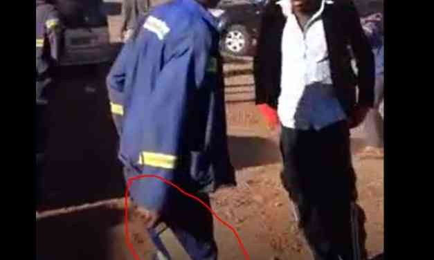 ZwNews VIDEO: Mashurugwi gangs fight each other with machetes in Shurugwi