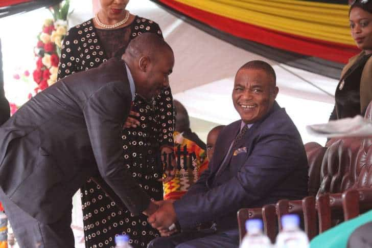 PICTURE: Chiwenga happy to meet Chamisa at Independence Day gathering