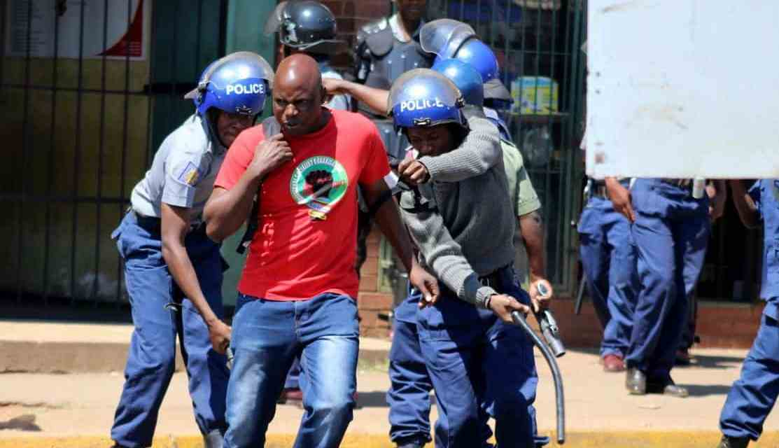 BREAKING News Pictures: Police arrest ZCTU protesters, Harare in lockdown…2 % Tax Demo