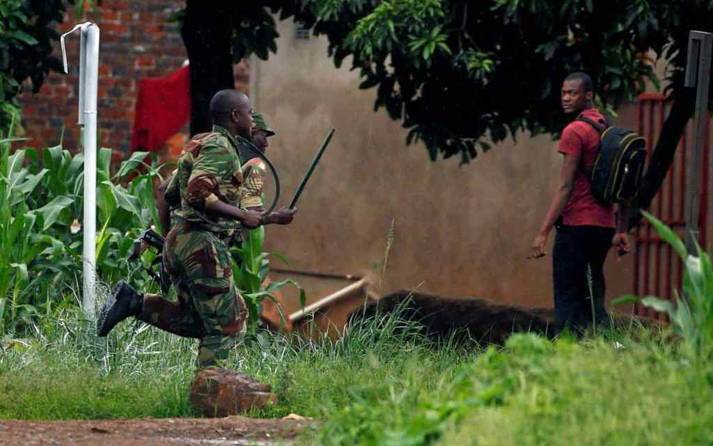 COSATU condemns Zim army abductions, Arrest of protesters
