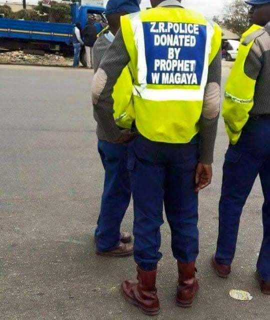 Names of 2 police officers protecting Walter Magaya from arrest?