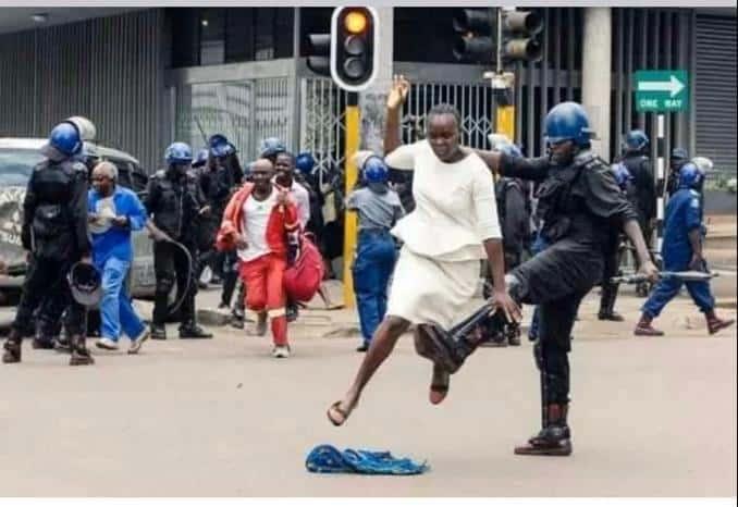 Ndawanahama Mutambisi: Policeman who broke Harare woman's leg unmasked..PICTURES