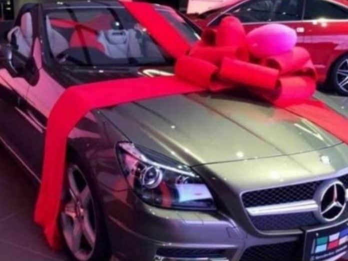 Grace Mugabe gets expensive Mercedes Benz present on Valentines Day..PICTURE