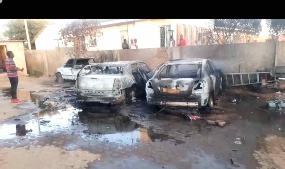 BREAKING NEWS: SHOCK As Mysterious Fire Burns Kwekwe Businessman Peter Gore's Cars… VIDEO