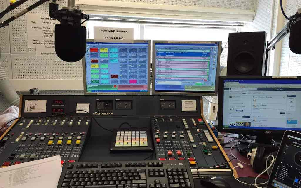 BAZ issues 8 broadcasting licenses for community radio stations