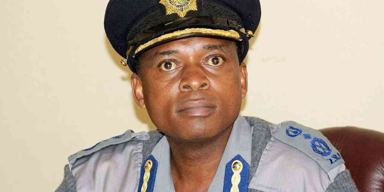 ZRP Police Boss Senior Assistant Commissioner Erasmus Makodza arrested by ZACC cops
