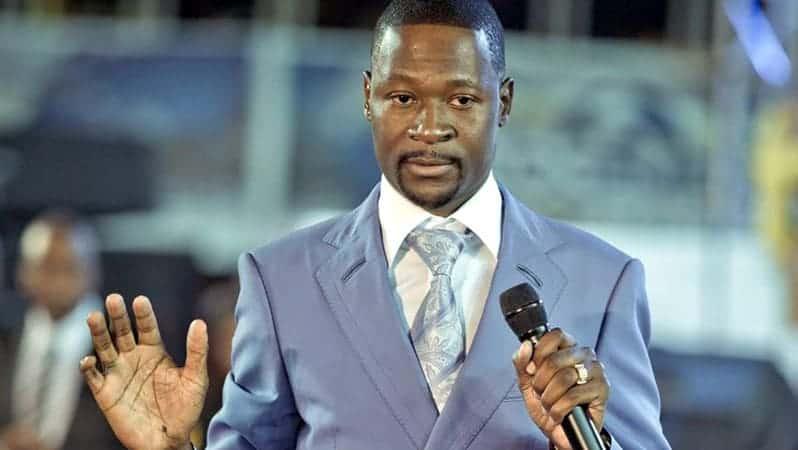 World leaders, VP Chiwenga FAKED taking covid-19 vaccines on TV, says Prophet Makandiwa…VIDEO…