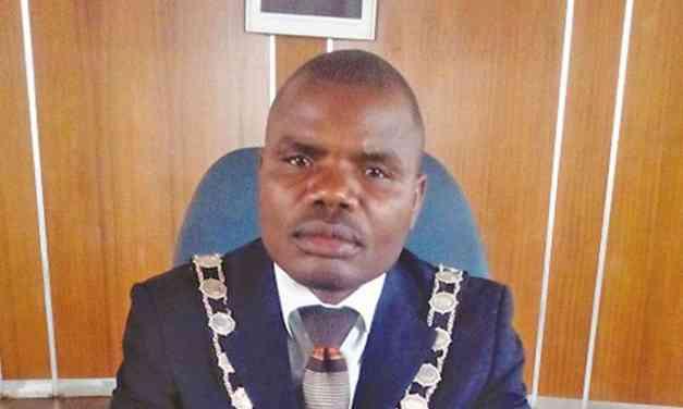 Redcliff Police playing dirty politics, says Mayor Masiyatsva