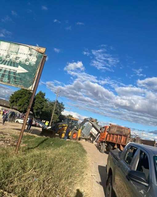 Chitungwiza municipality, ZRP ignore court application, start demolishing informal traders' structures