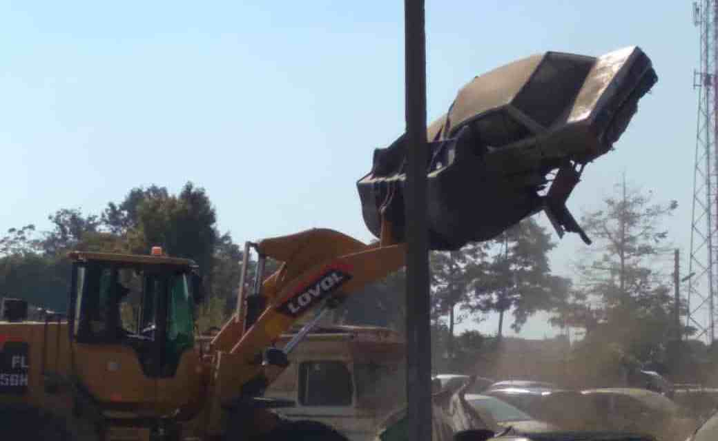 CoH demolition of illegal structures continues, as ZANU-PF holds meeting